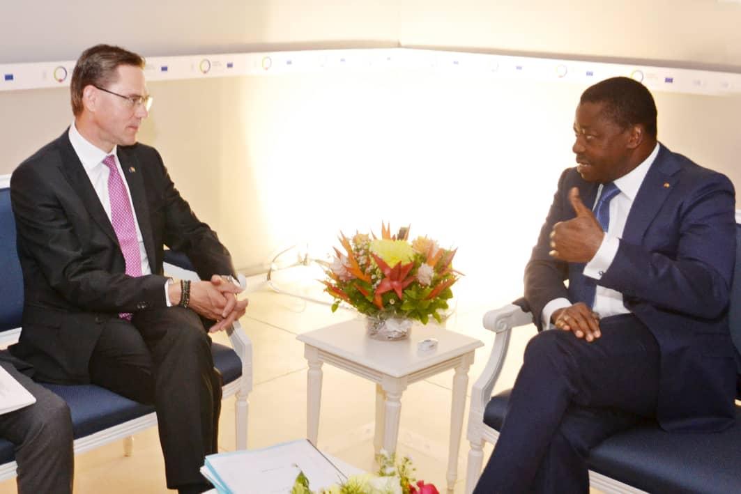 Echange entre le chef de l'Etat et le vice président de la Commission de l'UE